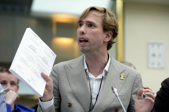 Foto Bert Wollants tijdens commissiezitting bedrijfleven